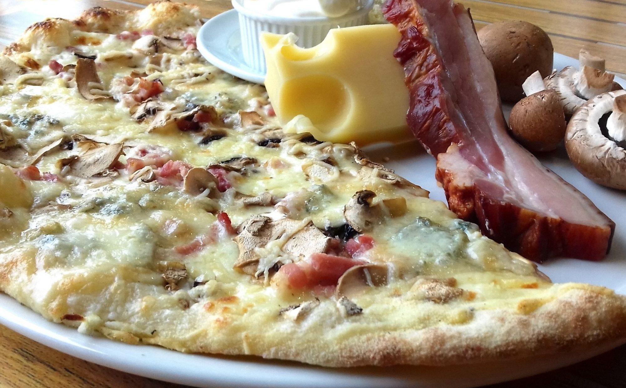 Pizza cuite au feu de bois à Niort